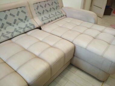 Велюровый диван после химчистки
