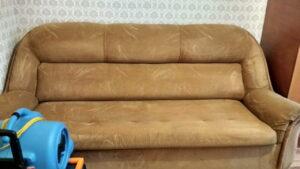 Чистка флокового дивана